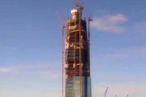 Три года строительства «Лахта Центра» — за одну минуту. Таймлапс
