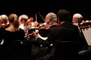 Что происходит с мозгом, когда мы слушаем музыку, и как она помогает тренировать память? Лекция нейролингвиста Татьяны Черниговской