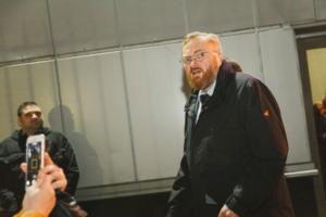 ЛГБТ-кинофестиваль «Бок о Бок» в Петербурге мешают проводить Милонов, полиция и «минирования». Какие убытки понес фестиваль и почему одна из площадок отказалась с ним сотрудничать
