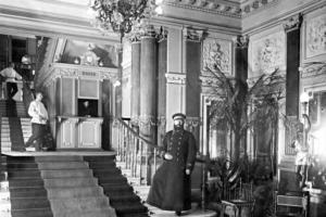 Что вы знаете о дореволюционном Петербурге? Ответьте на вопросы про водку, наводнения и театр