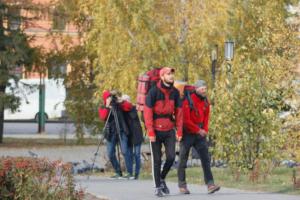 Петербуржцы прошли от Перми до Омска пешком за 35 дней. Они хотели открыть маршрут «Путь Ермака»