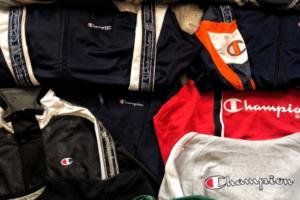 Где в Петербурге найти секонд-хенды с зимними куртками, «Мартинсами» и военной формой? Советует читатель «Бумаги»