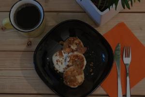 На Васильевском острове открылась кофейня «Сигнал» с горячими бутербродами и сытными завтраками