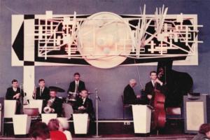 Как выглядели петербургские рестораны 90-х и что в них готовили? Ресторанный критик рассказывает о знаменитых «Лягушатнике», «Лакомке», «Хали-Гали» и «Севере»
