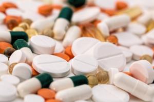 ГИБДД и Минздрав готовят поправки, запрещающие употреблять «одурманивающие» лекарства
