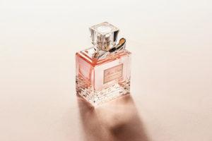 Вы хотите купить брендовую одежду, смартфон или дорогой парфюм. Как убедиться, что они оригинальные?