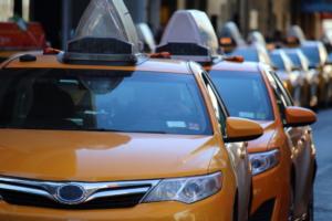 В Петербурге планируют усилить контроль над таксистами