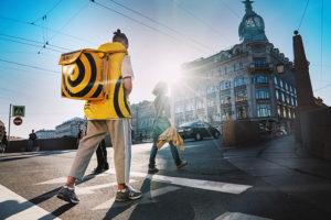 Как устроены сервисы доставки еды и что поменялось в работе петербургских заведений из-за Delivery Club и «Яндекс. Еды»