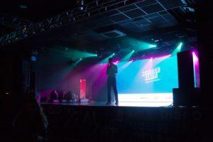 «Бумага» проведет Science Slam в Петербурге. Молодые ученые расскажут о лечении депрессии, фольклорных экспедициях и лицемерии