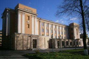 Сотрудников петербургского детдома обвиняют в изнасилованиях, которые продолжались 15 лет. Что о деле говорят воспитанники и кто защищает обвиняемых