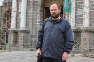 Суд в Петербурге не нашел экстремизма в брошюрах американского проповедника. Преподаватель СПбГУ рассказывал, что его уволили за экспертизу по этому делу