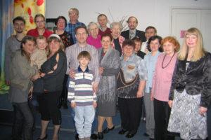 Петербуржец 13 лет собирает вместе людей с одинаковыми немецкими фамилиями. Он провел больше ста встреч для Рихтеров, Лютеров и Рерихов