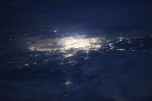 Космонавт снял ночной Петербург с борта МКС. Это очень красиво!