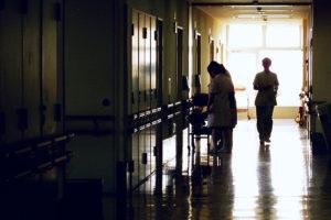 В Петербурге госпитализировали двухлетнего мальчика после обрезания в домашних условиях. Это второй такой случай за месяц