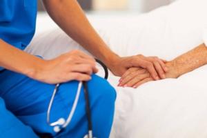Госдума приняла закон о паллиативной медицинской помощи