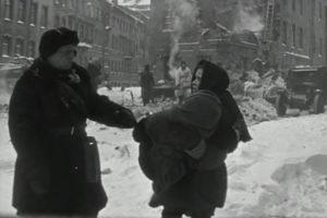 Как в советских фильмах изображали блокаду Ленинграда, какие сцены вырезали и как менялся взгляд на трагедию в разные годы