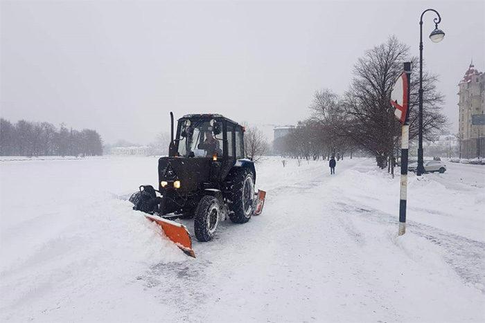 Что не так с уборкой снега в Петербурге? Пять главных причин, почему мы утонули в сугробах этой зимой