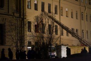 Что происходило у здания ИТМО после обрушения перекрытий. Пять фотографий