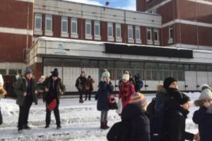 Петербуржцы жаловались на запах газа. Несколько учебных заведений эвакуировали. Главное