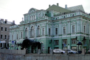 Петербург попал в тройку городов России с лучшими и популярными театрами