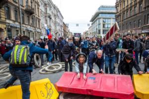 Компания «кремлевского повара» Пригожина заявила, что оплатила штраф организаторов акции Навального в Петербурге. Активисты это отрицают