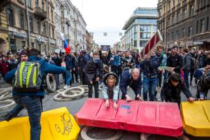 «ОВД-Инфо» обобщило практику политических задержаний в Петербурге с 2013 года. Посмотрите на графиках, на каких акциях задерживали чаще и как менялись мотивы протестов