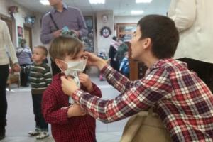 В театрах Петербурга зрителям начали выдавать защитные маски из-за эпидемии гриппа