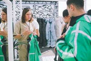 Как петербургские бренды шьют одежду в собственных цехах и на сторонних фабриках и влияет ли наличие своего производства на качество товаров