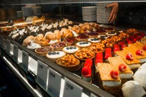 В Петербурге — хлебный бум. Откуда в городе столько пекарен и как это влияет на качество хлеба