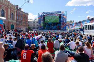 Фан-зону к чемпионату Европы разместят на Конюшенной площади. До этого ее хотели организовать на Дворцовой