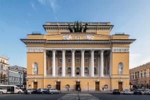 Артисты Александринского театра в открытом письме поддержали объединение с Волковским театром