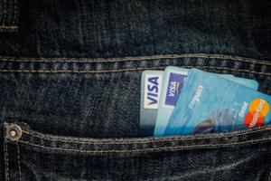 Visa увеличит максимальную сумму платежа без пин-кода до трех тысяч рублей