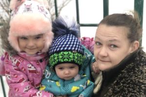 Детей петербурженки с нарушением слуха забрали из детдомов. Они будут жить под опекой бабушки