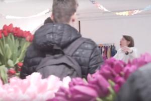 В петербургскую кофейню для женщин «Симона» накануне 8 марта ворвалась группа мужчин с цветами