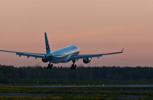 Украина запретила нерегулярные прямые авиарейсы с Россией