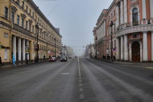 За три месяца 2019-го в ДТП на Невском погибло столько же людей, сколько за два предыдущих года. Что ГИБДД и активисты делают, чтобы обезопасить проспект