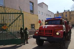 Жена пострадавшего преподавателя академии имени Можайского заявила, что ее мужа подозревают в организации взрыва