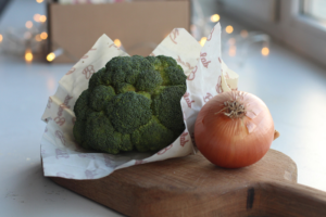Восковые салфетки — это экологичная упаковка, в которую заворачивают фрукты, овощи и зелень. Как ими пользоваться и где купить в Петербурге
