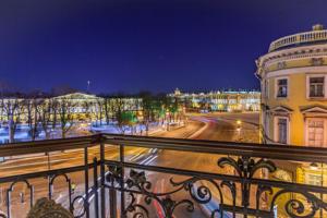 В Петербурге хотят ввести сбор для иностранных туристов. Нужен ли он городу? Отвечают урбанисты, гиды и градозащитники
