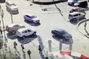 В Петроградском районе на двух женщин упал дорожный знак