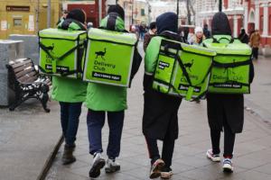 Delivery Club проведет бесплатный медосмотр своих курьеров после смерти курьера «Яндекс.Еды»