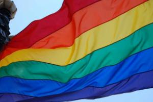 Петербургский суд признал незаконным увольнение трансгендерной женщины. Как этого удалось добиться и что этот случай может изменить