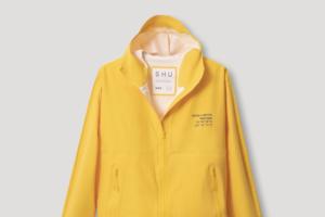 Петербургский бренд SH'U и яхтенная школа «Сила ветра» выпустили совместную коллекцию ветровок и дождевиков