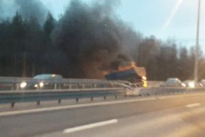 Дело о смертельной аварии на ЗСД передали в суд. При столкновении микроавтобуса и грузовика погибли восемь человек