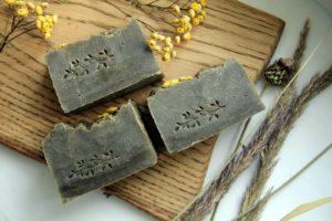 Как петербуржцы зарабатывают на варке натурального мыла и придумывают его рецепты — с шелком, дикими травами и манго