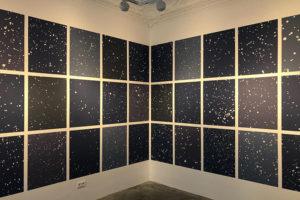 В Петербурге открылась галерея современного искусства «Миф». Посмотрите, как выглядит первая выставка с работами молодых российских художников