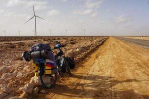 Проехать на бамбуковом велосипеде более ста городов Европы и Африки за 240 дней, ночуя в лесу и на пляже
