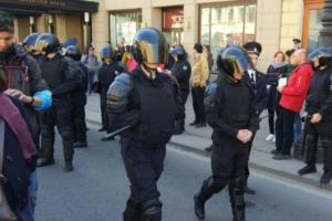 В Смольном заявили, что первомайскому шествию помешали «провокаторы». Среди них — оппозиционные депутаты