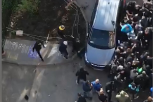 После драки фанатов «Зенита» и ЦСКА в Петербурге осудили четырех человек. Им дали штрафы по 500 рублей за нецензурную брань