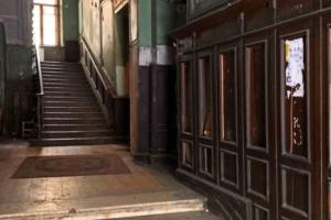 Петербургские краеведы вместе с КГИОП закрепят деревянные панели в доме Бернштейна